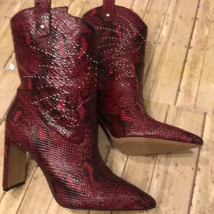Jessica Simpson NWTs red snake boots